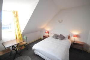 Votre chambre, proche du monastère de Chokhor Ling, à l'hôtel de France de Saint savin